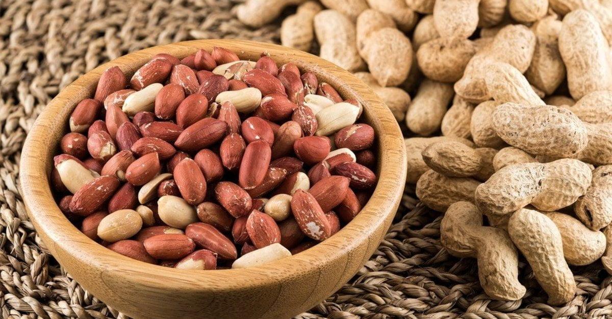 فوائد أكل الفول السوداني للبشرة